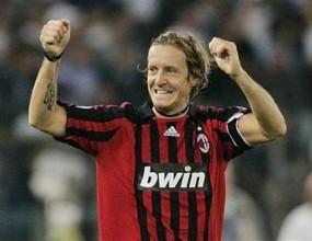 Масимо Амброзини е новият капитан на Милан