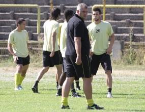Вижте как Лилчо Арсов води тренировка на Ботев