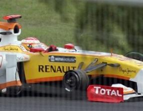 Сензационно: Дисквалифицираха Рено от следващия старт във Валенсия, Кими се размина