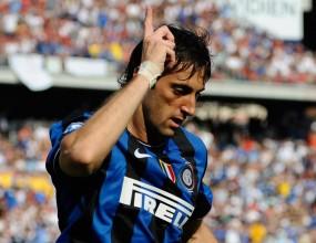 Милито наказа два пъти Милан в дербито зад океана