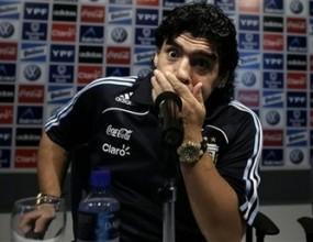 Марадона повика младоци за контролата с Русия