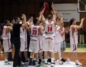 България разгроми Португалия в първата контрола преди Евро 2009