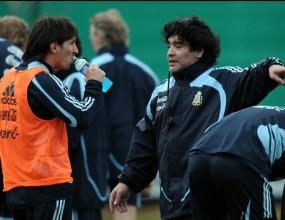 Пеле се заяде с Марадона и Аржентина