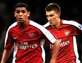 Арсенал подписа дългосрочно с двама свои