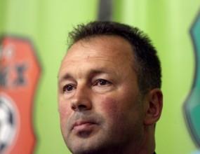 Ангел Червенков дебютира начело на Литекс срещу Етър