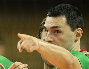 Владо Николов преди мача със Сърбия: Излизаме да бием