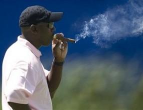 Майкъл Джордан застрашен от глоба заради пушене