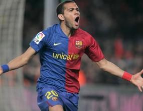 Барселона остана без Дани Алвеш за три седмици