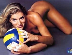 Секссимволът на Италия Франческа Пичинини: Във волейбола е пълно с лесбийки (видео)