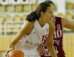 """Жаклин Златанова с """"дабъл-дабъл"""" при загуба на Гран Канария"""