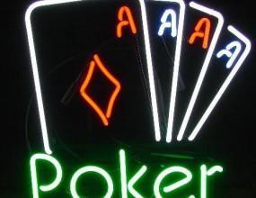 Sportal.bg търси покер редактор