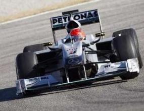Мерцедес: По-бавни сме от Ферари
