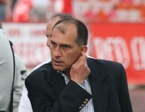 Трима треньори и петима футболисти вече не са част от Локо Пд