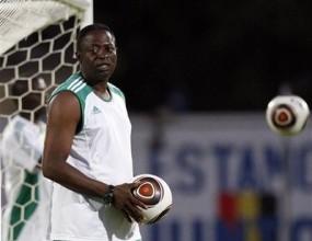 Нигерия остана без треньор, Хидинк вариант