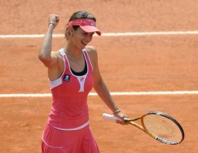 Пиронкова преодоля първия кръг във Варшава, среща Дементиева