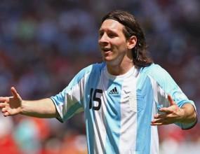 Меси: Фланелката на Аржентина не ми тежи