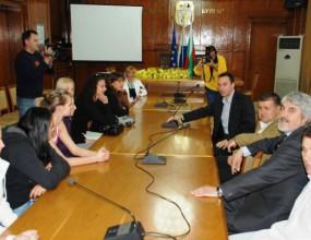 Шампионките от Лукойл Нефтохимик се срещнаха с кмета на Бургас