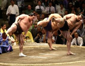 Котоошу записа девета победа в Токио, Хакухо триумфира с титлата