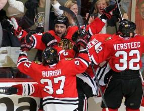 Чикаго само на победа от финал в НХЛ