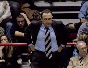 Олимпиакос търси опитен треньор
