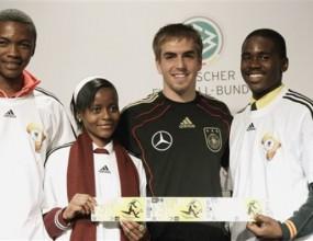 Германските национали закупиха билети за 300 ученици от РЮА