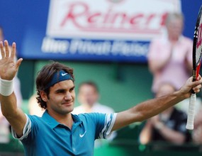 Федерер върви уверено към шеста титла от Хале