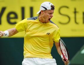 Край на голямото чакане – Хюит взе скалпа на Федерер на финала в Хале