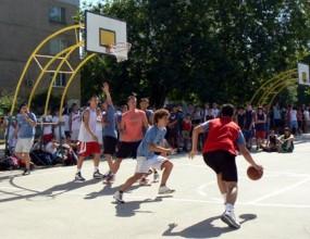 Над 220 участници забиваха в първия Стрийтбол турнир за аматьори във Варна