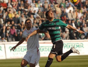 Трети турски отбор набеляза Емил Ангелов