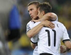 """Полша се радва на """"полските голове"""" на Мондиал 2010"""