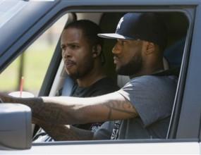 Newsday и ESPN: Леброн отива в Маями