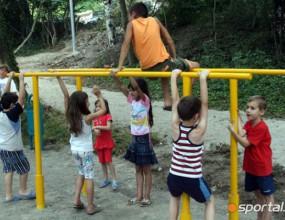 В София построиха спортна площадка, волейболистът Иван Зарев помага за проекта