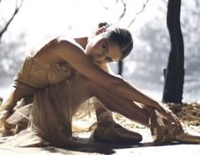 Черил Коул е примабалерина в клипа към новия й сингъл (чуйте го)