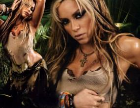 Шакира се превъплъщава в богинята Кали