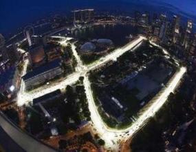 Промени по пистата в Сингапур посреща пилотите