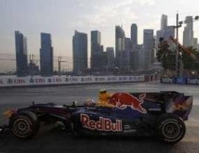 Уебър най-бърз в първата тренировка в Сингапур
