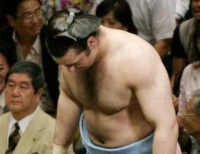 Махлянов отстъпи на Великия шампион Хакухо на турнира в Токио