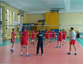 Тайни служби охраняват волейболистите в Торино