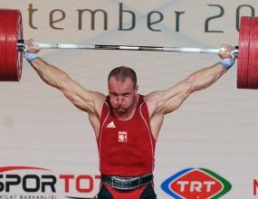 Поляк триумфира в категория до 105 кг на световното