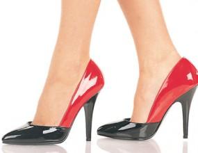 Червена рокля и 12-сантиметров ток
