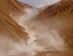 """Ден 5: Петерхансел с първа победа на """"Дакар"""", Ценков се срина назад"""
