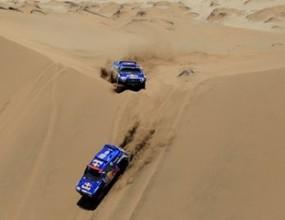 Ден 8: Ал-Атиях измества Сайнц от върха след пряка битка върху дюните