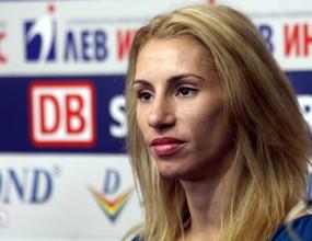 Ваня Стамболова с рекорд на 300 метра в Будапеща