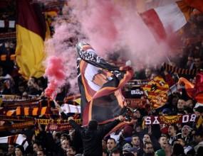 Екшън в Рома - димки, хартия, обиди, полиция и сълзотворен газ