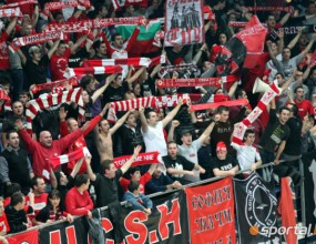 """1500 зрители влязоха в залата! Огромна опашка пред """"Арена Самоков"""""""