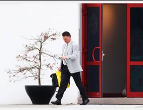 Байерн дава нов шанс на Ван Гаал