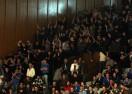 Агитката на Левски замерва феновете на Лукойл с болтове (видео)