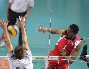 Безпомощна Франция с 5-та поредна загуба! Леон носи успеха на Куба с 28 точки