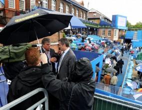 Дъжд пречи на финала в Лондон