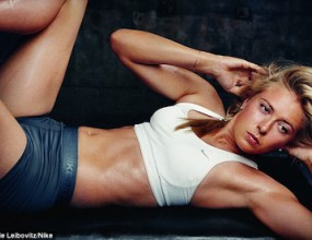 Шарапова показва перфектното си тяло в реклама на Nike